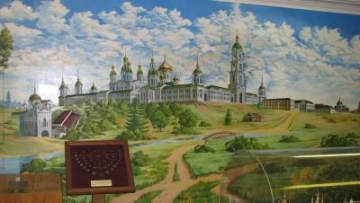 Панорама саровского монастыря в городском музее. Художник - В.Крекнин